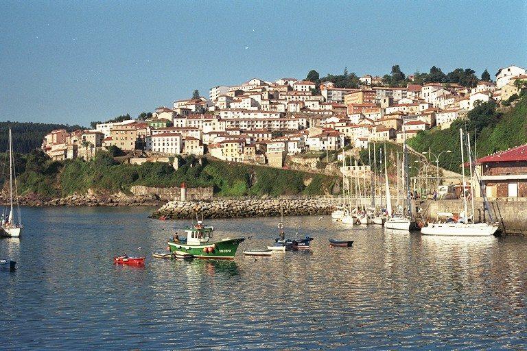 Lastres una de la m s bellas villas marineras de - Marisquerias en asturias ...