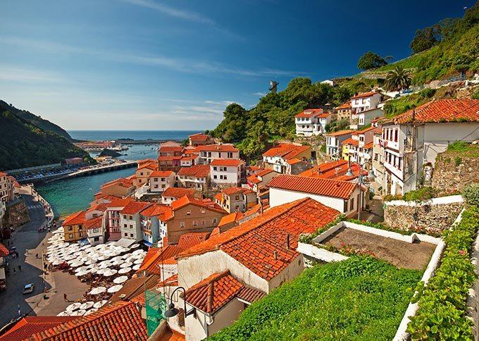 Cudillero nice view of town in asturias spain gu a - Marisquerias en asturias ...