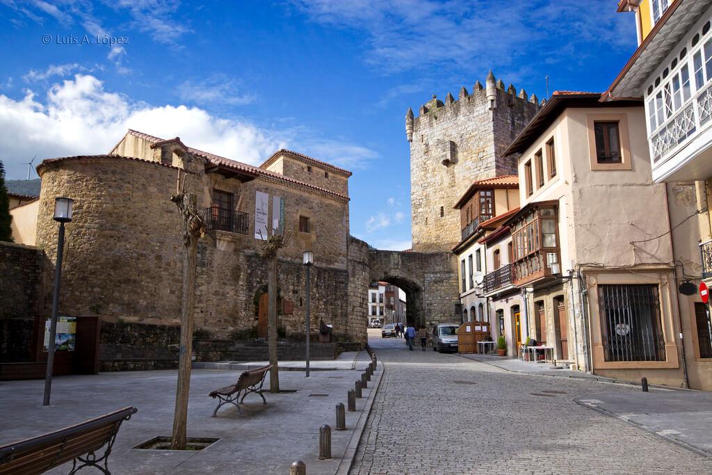 8485758583 9a8e76044a b 1 gu a turismo asturias for Oficina de turismo asturias
