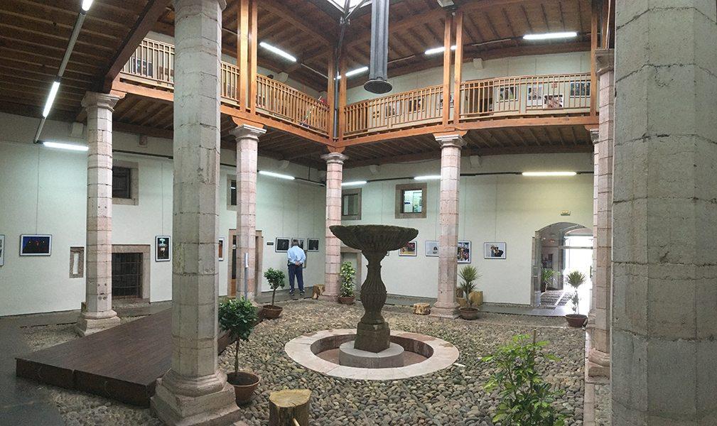 Palacio de Miranda Valdecarzana – Capilla de los Dolores / Grado ...