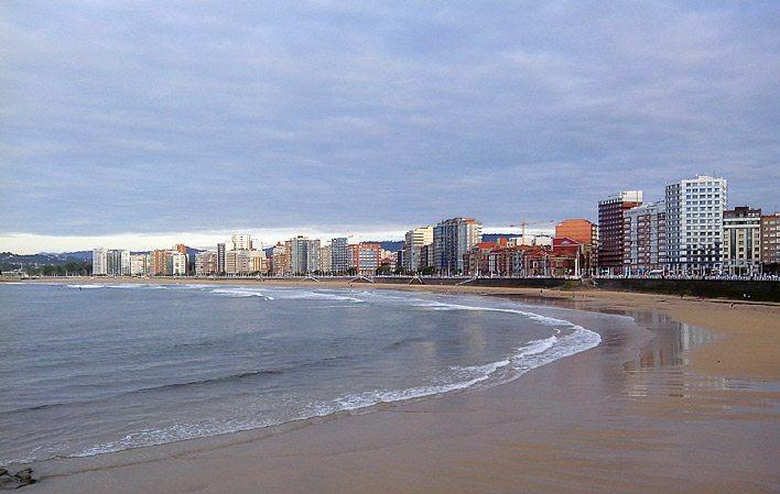 Playasanlorenzo 03 gu a turismo asturias - Marisquerias en asturias ...