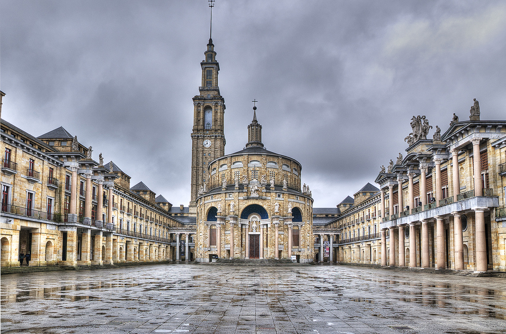 Universidad laboral gijon gu a turismo asturias for Oficina de turismo gijon